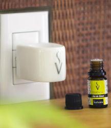 Aromatizador Elétrico  Com Duas Essências Capim Limão e Pitanga Preta  - Via Aroma